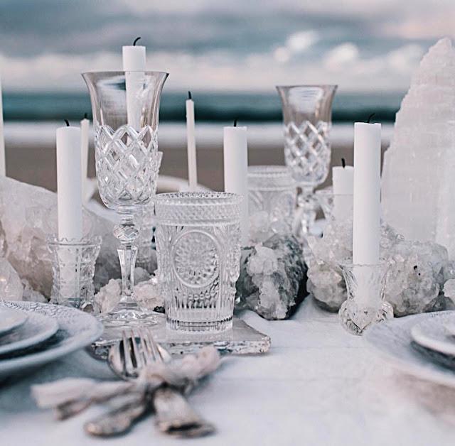 Cristalerías grabadas para tu enlace - Foto: www.pthelane.com