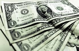 Dólar cai e fecha no menor valor desde agosto após eleições municipais