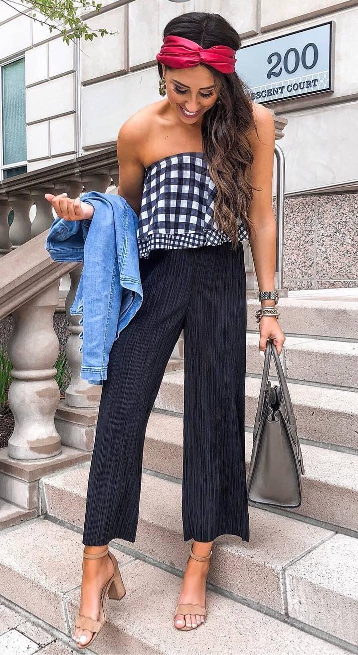 how to wear a pair of black wide pants : plaid top + bag + heels + denim jacket