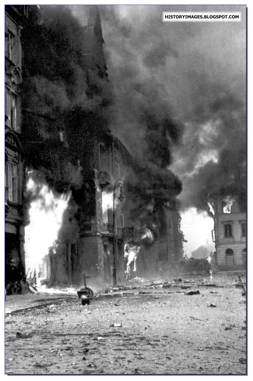 warsaw uprising Warsaw, poland — us president donald trump made his emotional address  to the poles speaking at the foot of the metal-and-stone.