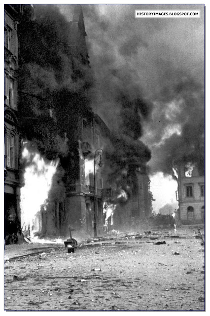 Warsaw burns during  Uprising 1944