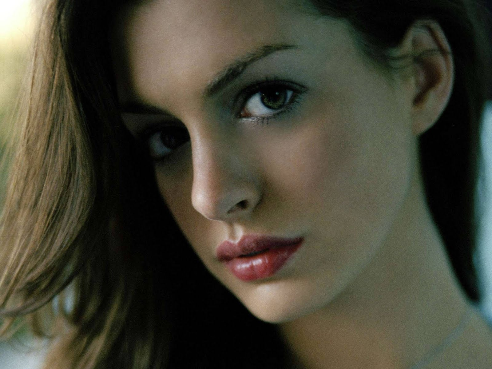 Hot Anne Hathaway's Pictures | Lovely Fun