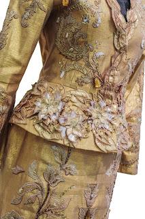 золотой костюм юдашкин