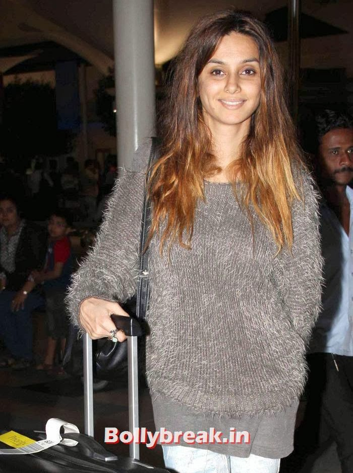 Celebs Snapped  at Airport, New Year Celebrations: Various Celebs Snapped at Airport