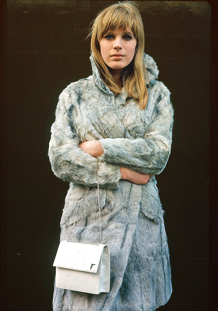 40 Beautiful Color Photos of Marianne Faithfull in the 1960s  vintage everyday