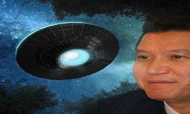 Πρώην πρόεδρος δηλώνει ότι έχει επιβιβαστεί σε εξωγήινο σκάφος (Video)