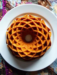https://alf-lachefa.blogspot.com.es/2013/11/bundt-cake-de-ron-y-miel.html