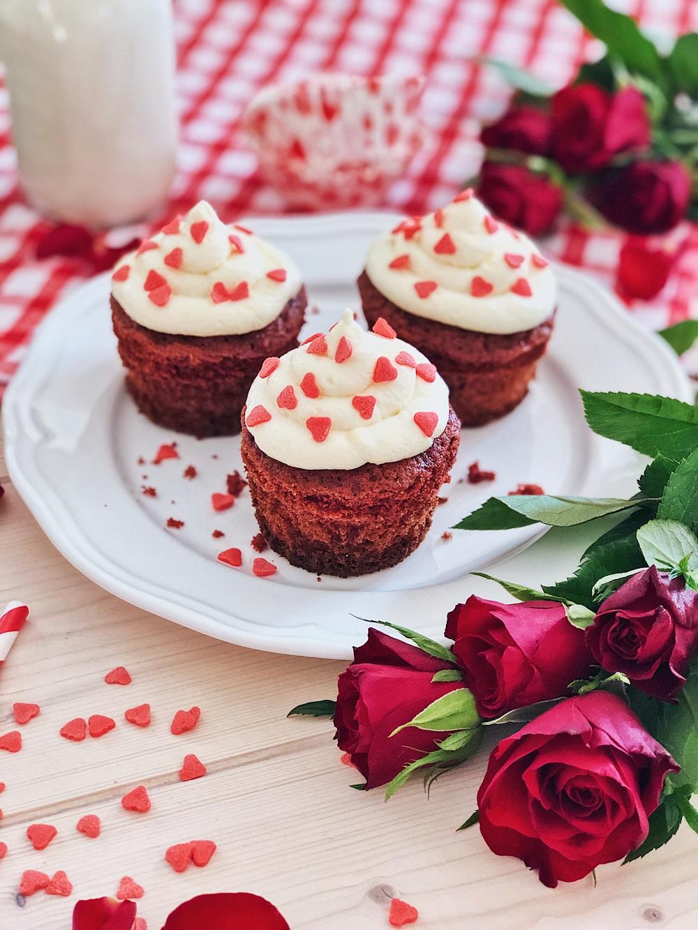 Red Velvet Cupcakes Mit Frischkase Frosting Fashion Kitchen