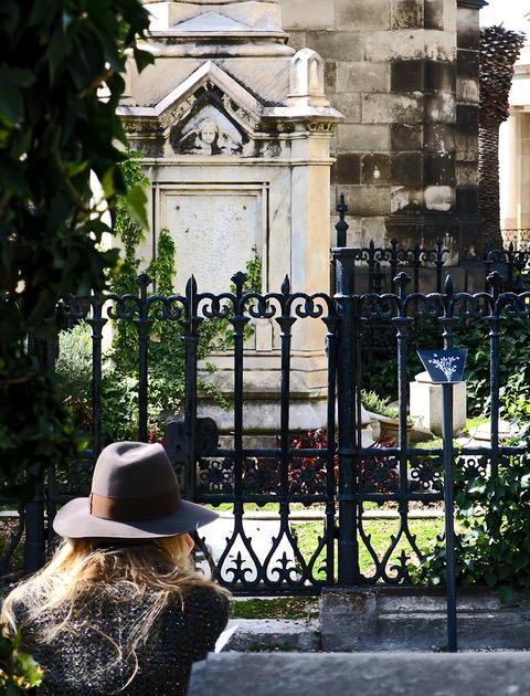 El otro lado, cementerio, poble Nou