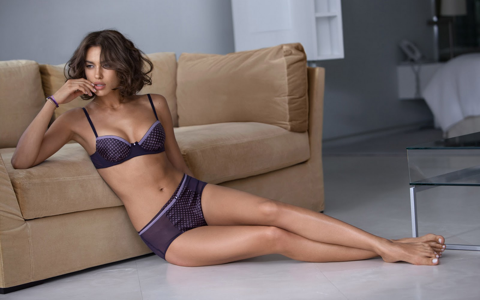 Irina Shayk Pictures, Wallpapers, And Images  Hollywood -5827