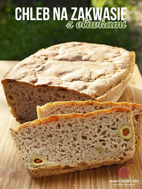 Chleb na zakwasie z oliwkami