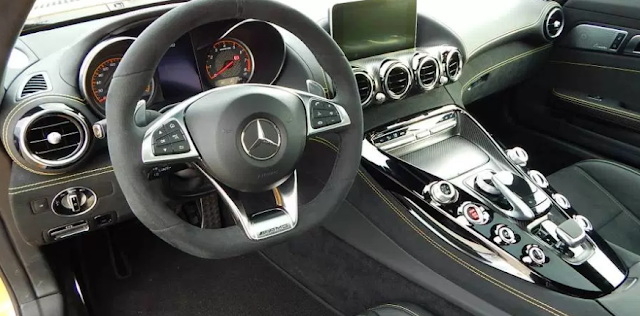 2018 Mercedes Benz AMG GT S Coupe Interior