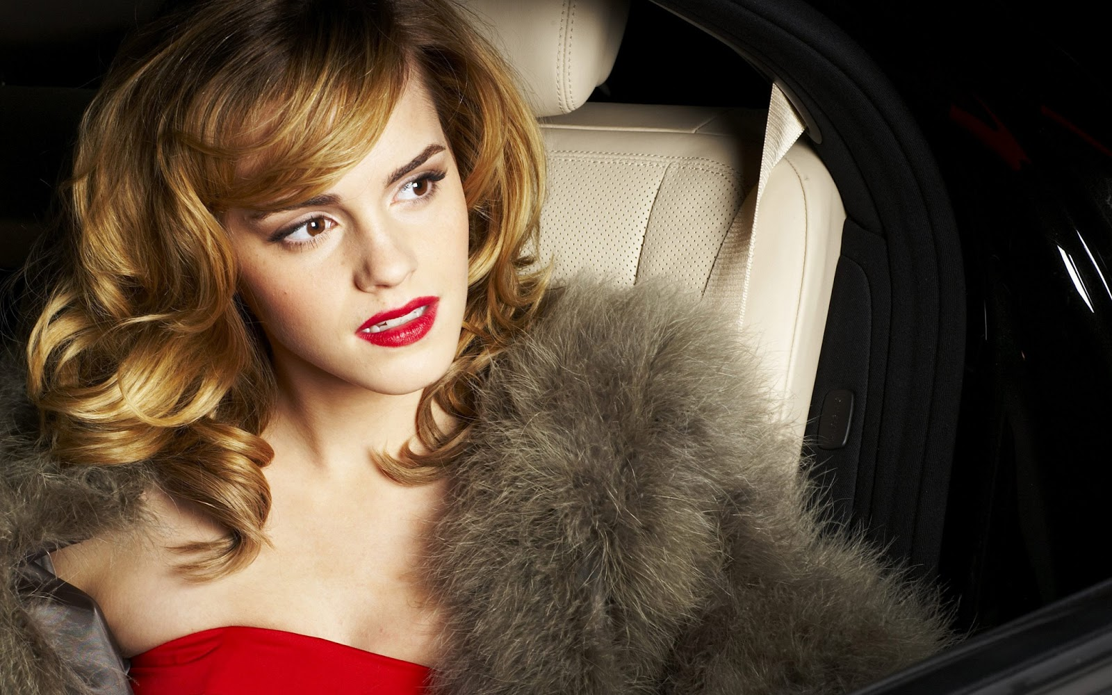 Cute Pic Girl Wallpaper Top Charts Celebrity Pictures Of Emma Watson