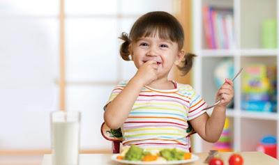 Menyajikan Menu Makanan Sehat Untuk Anak