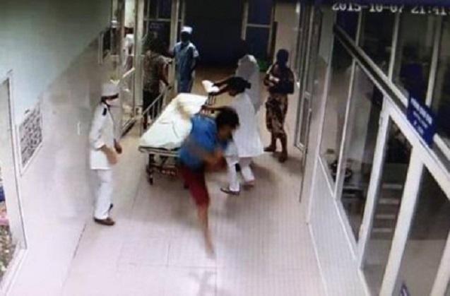 Bác sĩ bị hành hung: Cần có Luật phòng, chống bạo hành nhân viên y tế