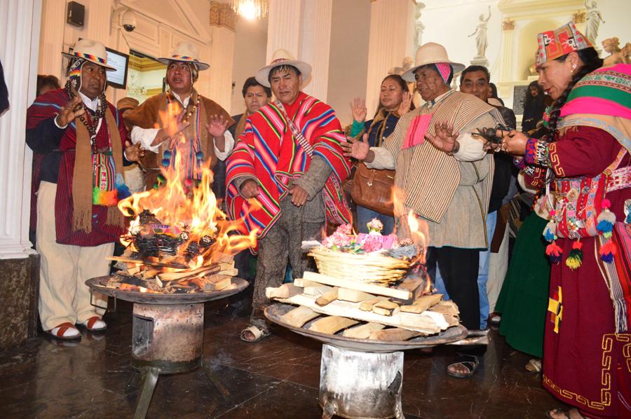 Acto de la Comisión de Naciones, Pueblos Indígena Originario Campesinos, Cultura e Interculturalidad