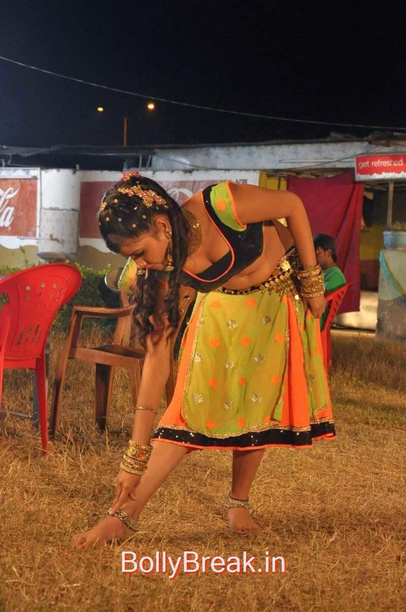 Sriya Pictures, Sriya Hot Pics In Choli  In 2000 Crore Black Money Movie