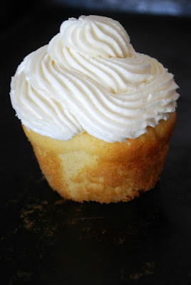 Gluten Free Vanilla Cupcake - ordered and delivered overnight! SO GOOD