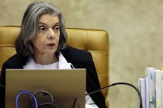 http://vnoticia.com.br/noticia/2692-stf-aprova-restricao-do-foro-privilegiado-para-deputados-e-senadores
