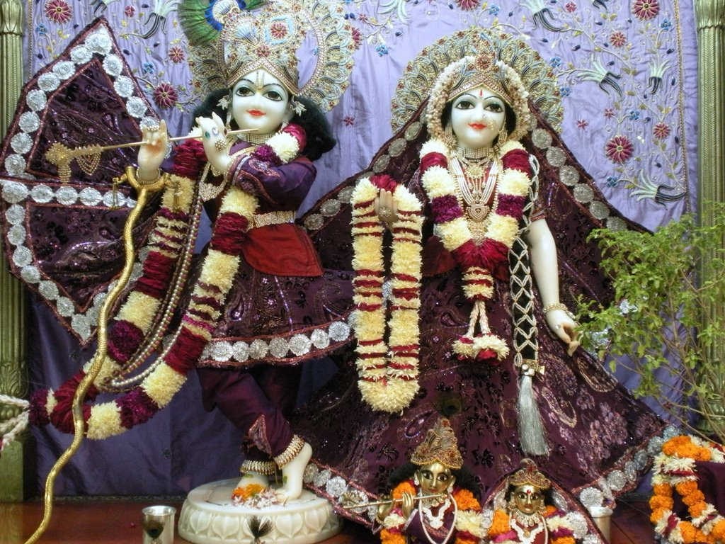 Sai Baba Hd Wallpapers 1366x768 Bhagwan Ji Help Me Hd Wallpaper Shree Krishna Janmashtami