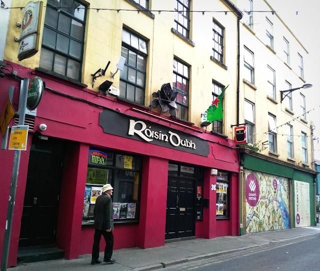 Irish pub in West side, Galway
