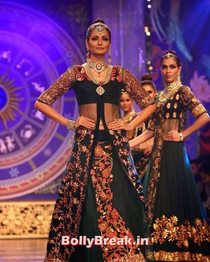 Shonal Rawat, Sonam Kapoor Pics in White Saree - IIJW Finale 2014