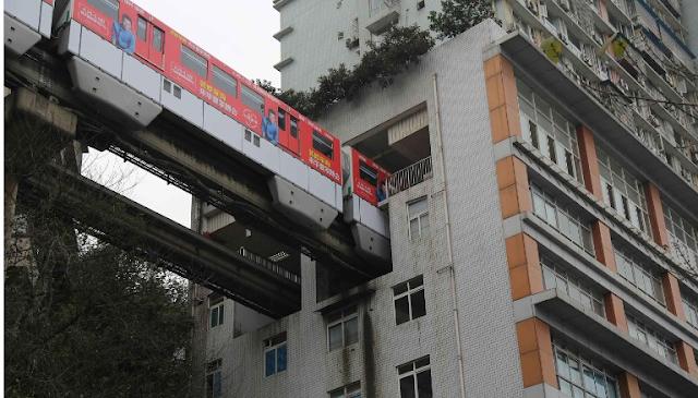 Kereta Dalam Gedung di China