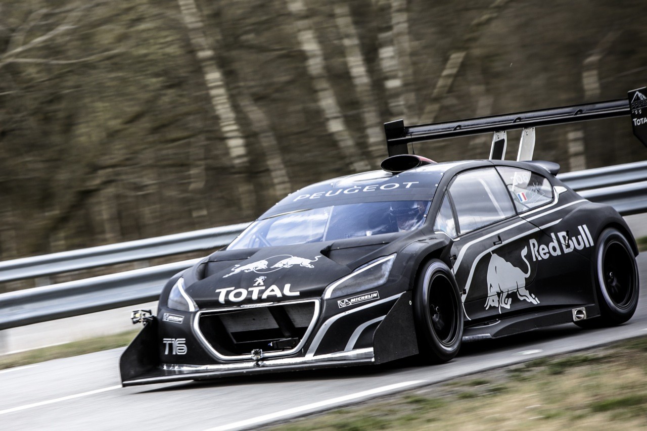 © Automotiveblogz: Peugeot 208 T16 With Sebastien Loeb Photos