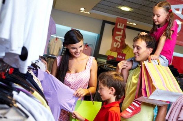 Menyiasati Anak Rewel di Mall
