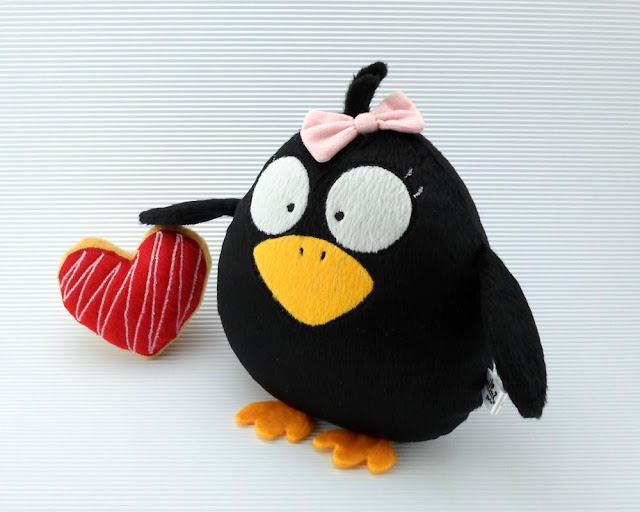 cuervo negro peluche regalo cumpleaños halloween guyuminos