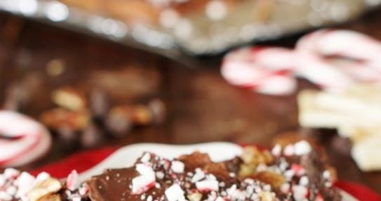 Peppermint Saltine Cracker Toffee {aka ~ Peppermint Christmas Crack ...