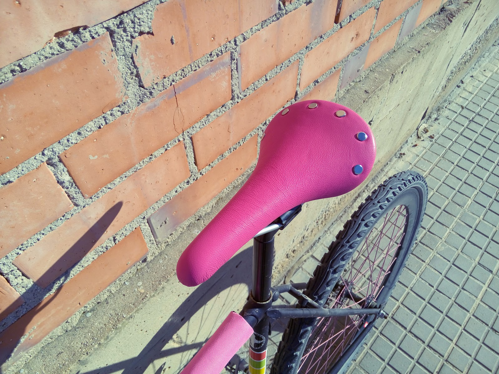 #ProductReview | Nu-Vin saddle by JustOne (Photos & Video)