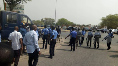 Aso Rock Policemen Protest Over Unpaid Allowances Since 2015