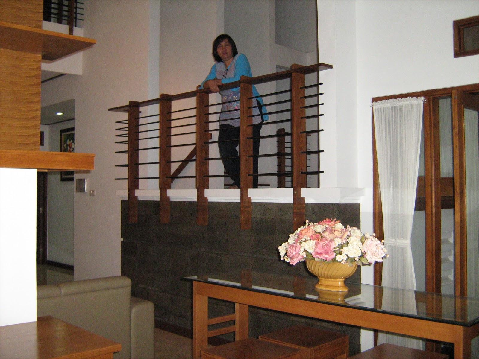 Rumah Impresi Visual Half Landing Kampong Style In Town