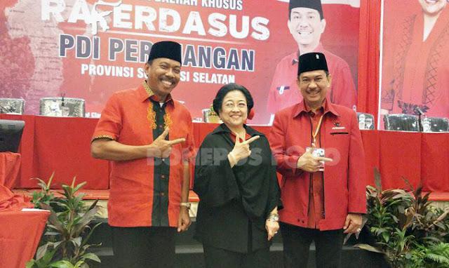 Serahkan Rekomendasi Usungan PDIP, Megawati Salam Tafadal dengan Ambo Dalle