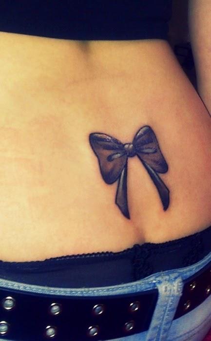Tatuajes En La Espalda Baja Pequenos Para Mujeres