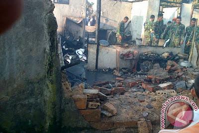 Foto Rumah Rusak Tertimpa Kecelakaan Pesawat Fokker 27