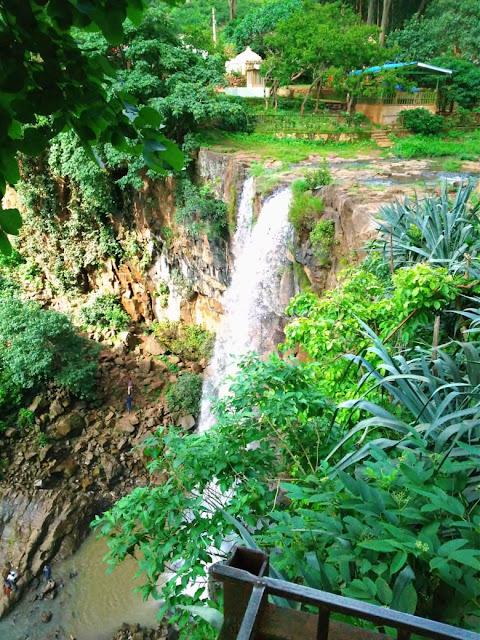 kapildhara waterfall amarkantak , amarkantak hotel , amarkantak tourist place in hindi