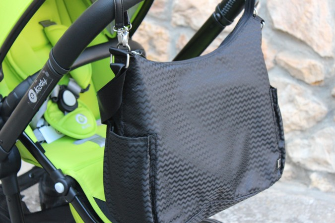 qué llevar en el bolso del bebé cuando salimos de paseo