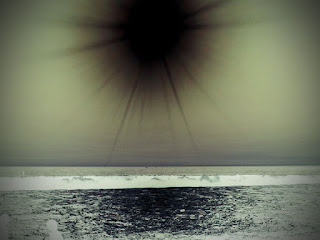 Negativbild der Sonne über dem Ammersee