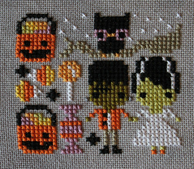 Frosted Pumpkin Stitchery Trick or Treat Couple
