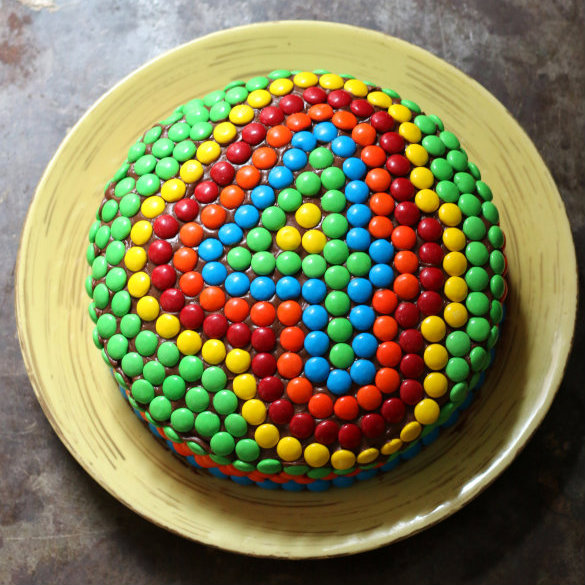 17 Apart: Kids  Birthday Cake Idea: Decorating With M&M s!
