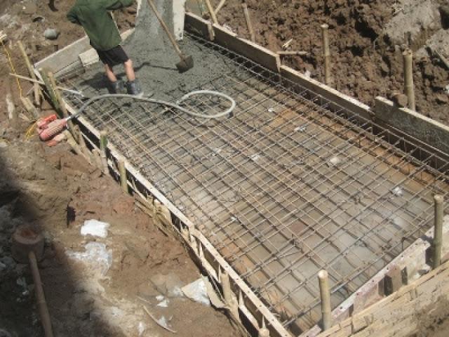 Bể phốt đang tiến hành xây dựng
