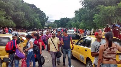 Crossing from Colombia into Venezuela at Puente Internacional Simón Bolívar near San Antonio.