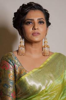 Actress Parvathy Menon (Parvathy Thiruvoth) Latest Stills