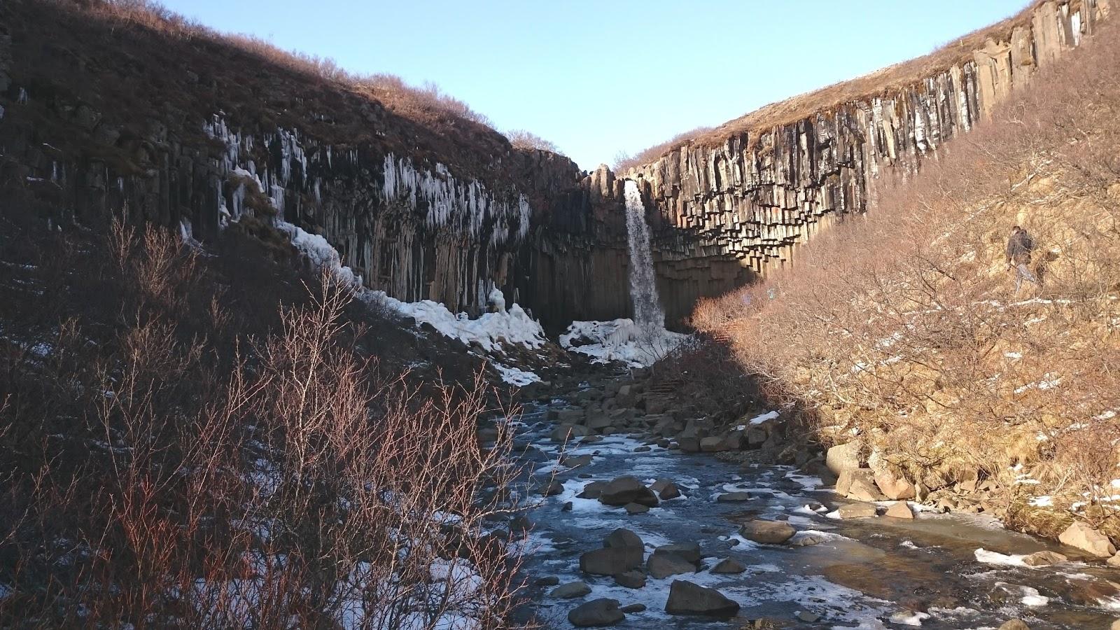 wodospad Svartifoss, Svartifoss, islandzki wodospad, Islandia, atrakcje Islandii