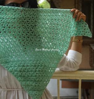 frangipani scarf, frangipani shawl, frangipani neckkerchief, free crochet shawl pattern, free crochet neck kerchief pattern, free crochet neckwear pattern