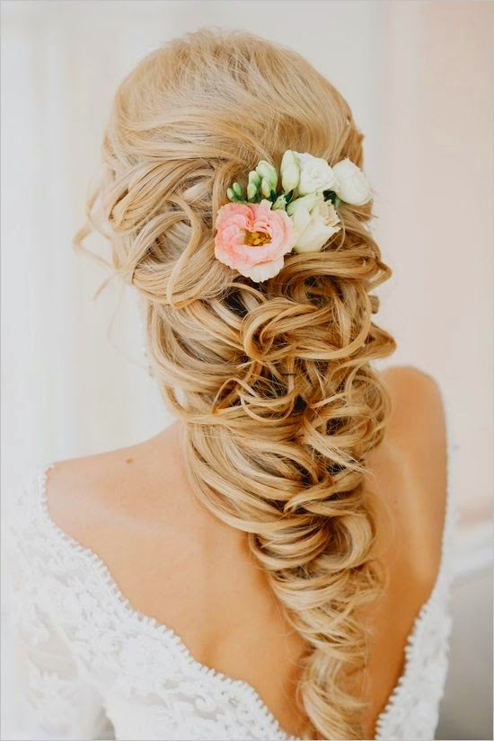 5 Glamorous Wedding Updos for 2015