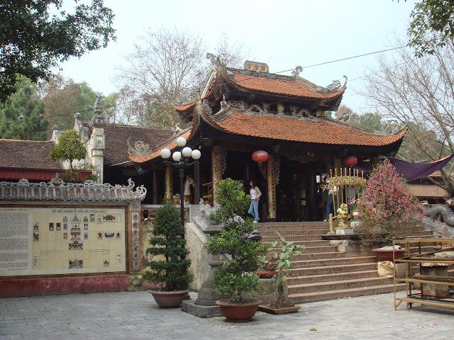 Cho thuê xe 7 chỗ Toyota Innova đi Hội đền Bà Chúa Kho Bắc Ninh