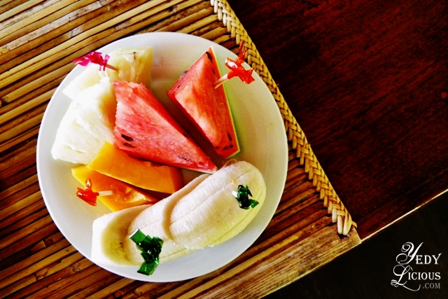 Fruit Platter at Badjao Seafront Restaurant Best Restaurants in Puerto Princesa Palawan Philippines YedyLicious Manila Food and Travel Blog